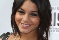 What-is-going-on-with-vanessa-hudgens-hair-side